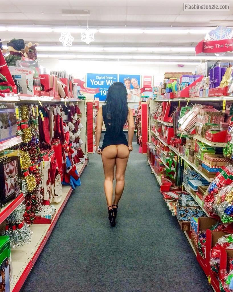 naked booty in store sexy